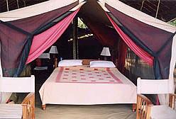 Kulalu Safari Camp Bed - Tsavo East